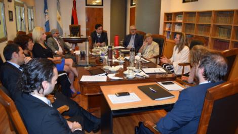 la-defensora-provincial-se-reunio-con-los-ministros-del-superior-tribunal-de-justicia-de-misiones-370